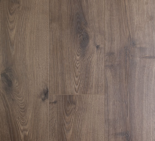 Oakleaf Laminate Flooring – Tawny Oak